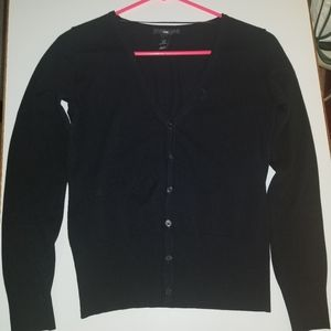 sweater with button in black made H&M